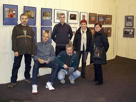 Autores en sala de exposiciones